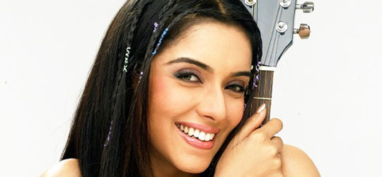Asin – Bollywood Actress Gallery