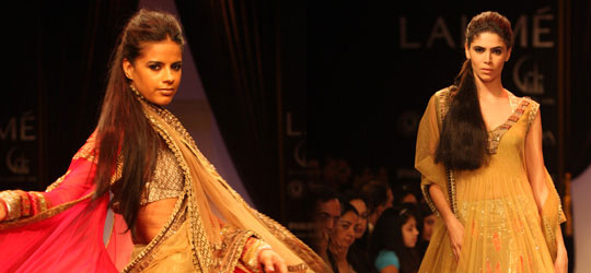 Vibrant Magic of Manish Malhotra Outfits Spring/Summer at LFW 2010