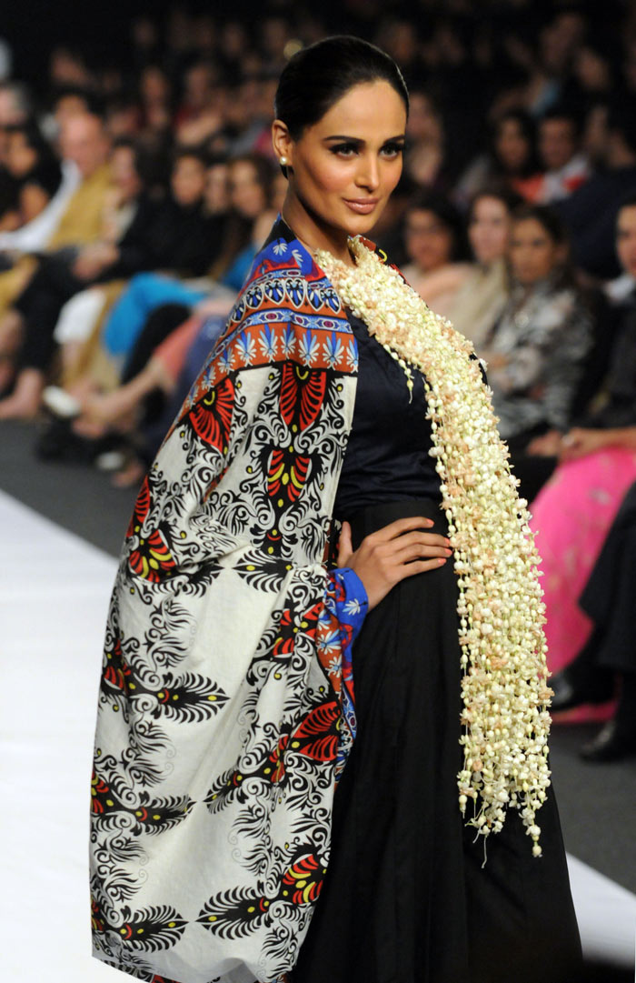 2nd Karachi Fashion Week 2010
