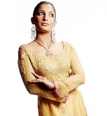http://www.yusrablog.com/wp-content/uploads/2010/04/Formal-Dress-Designs-3.jpg