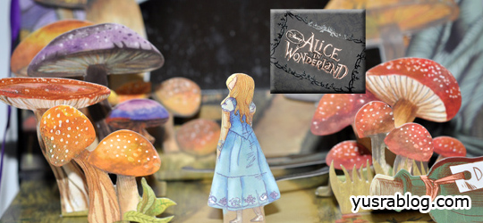 Alice in Wonderland Urban Decay Eyeshadow Palette – Book of Shadows Theme