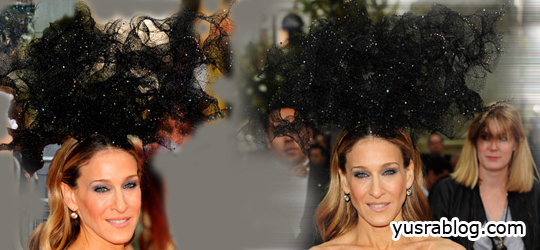 Sarah Jessica Parker Wears Alexander McQueen And Philip Treacy Hat | SATC 2 London Premiere