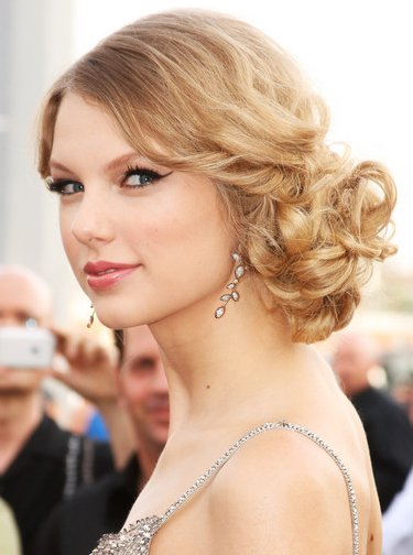 celebrity hairstyle updos. Swift Celebrity Hairstyle