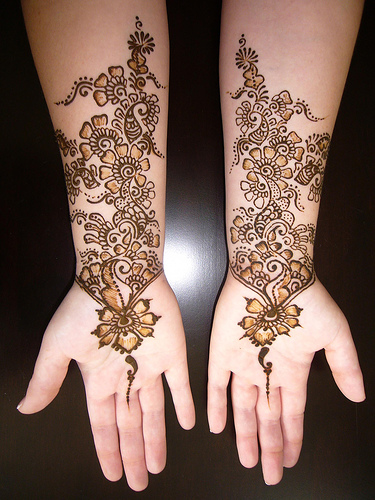 mehndi tattoos. See the huge mehndi collection