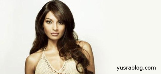 """BB Love Yourself"" Bipasha Basu Fitness Clothing Line 