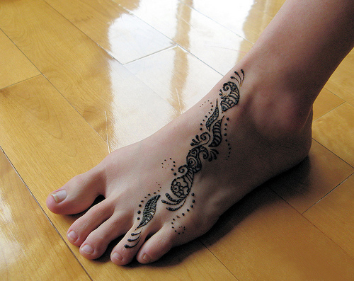 Simple Ankle Mehndi Designs : Short simple mehndi designs for hands and feet yusra