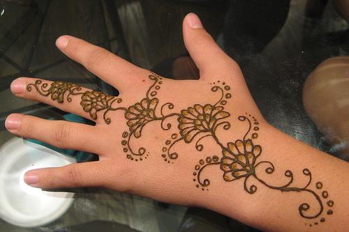Short Simple Mehndi Designs For Hands And Feet Yusrablog Com