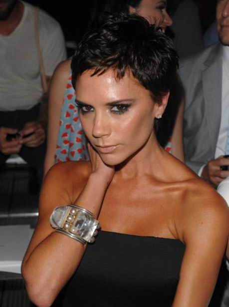 short haircuts for girls with glasses_13. Victoria Beckham Pixie Haircut