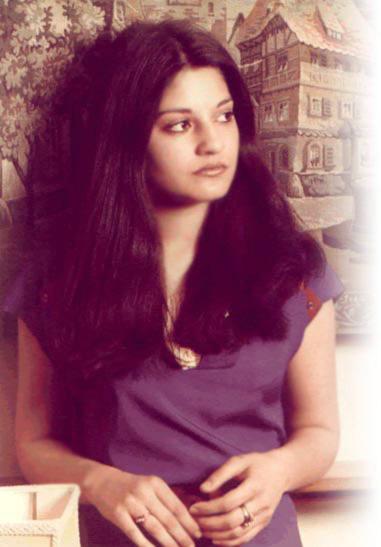 Disha Patani sweet, hot, sexy and beautiful photos, videos and Pk songs video photos