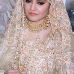 Nazia Hassan Marriage http://www.yusrablog.com/singers/pakistani-singer-nazia-hassan-biography-and-pictures/attachment/nazia-hassan-with-family/