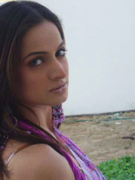 Noor Pakistani Actress Biography and Lovely Hot Pictures