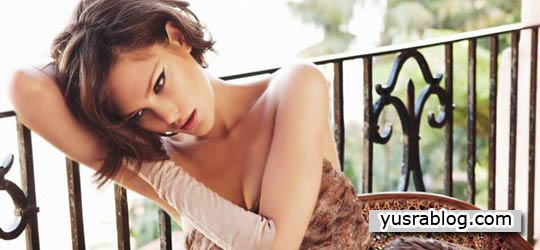 Catherine McNeil in Vogue Australia September 2010 by Nicole Bentley