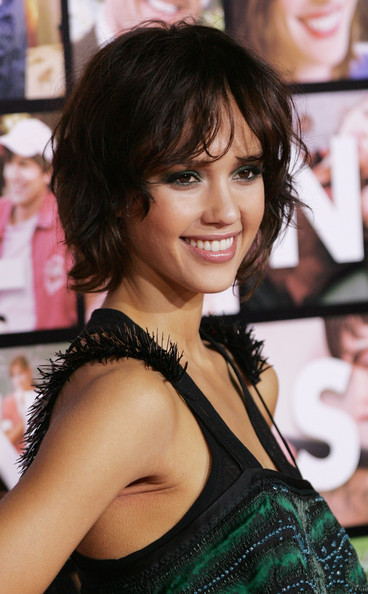 swing bob hairstyles. Jessica Alba Bob Hairstyle