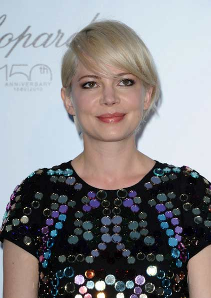 michelle williams short hair 2010. michelle williams hair short.