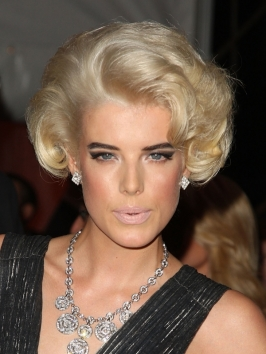 Agyness Deyn Cool Hairstyles for 2010 – New Photo Gallery