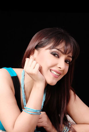 Amna Karim Model Biography and Awesome Pictures