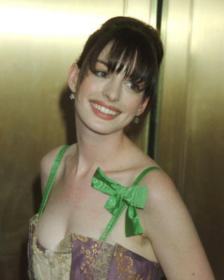 Anne Hathaway Trendy Hairstyles and New Photo Gallery