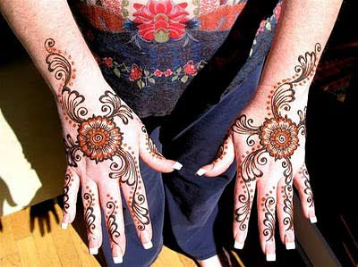 Teenage Fashion Designer on It S A Indian Mehndi Design For Back Hand And Arms For Teen Age Chic