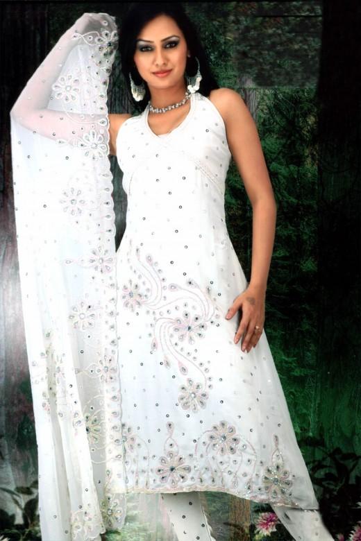 White Salwar Suits Designs Latest Charming Dresses Collection Yusrablog Com