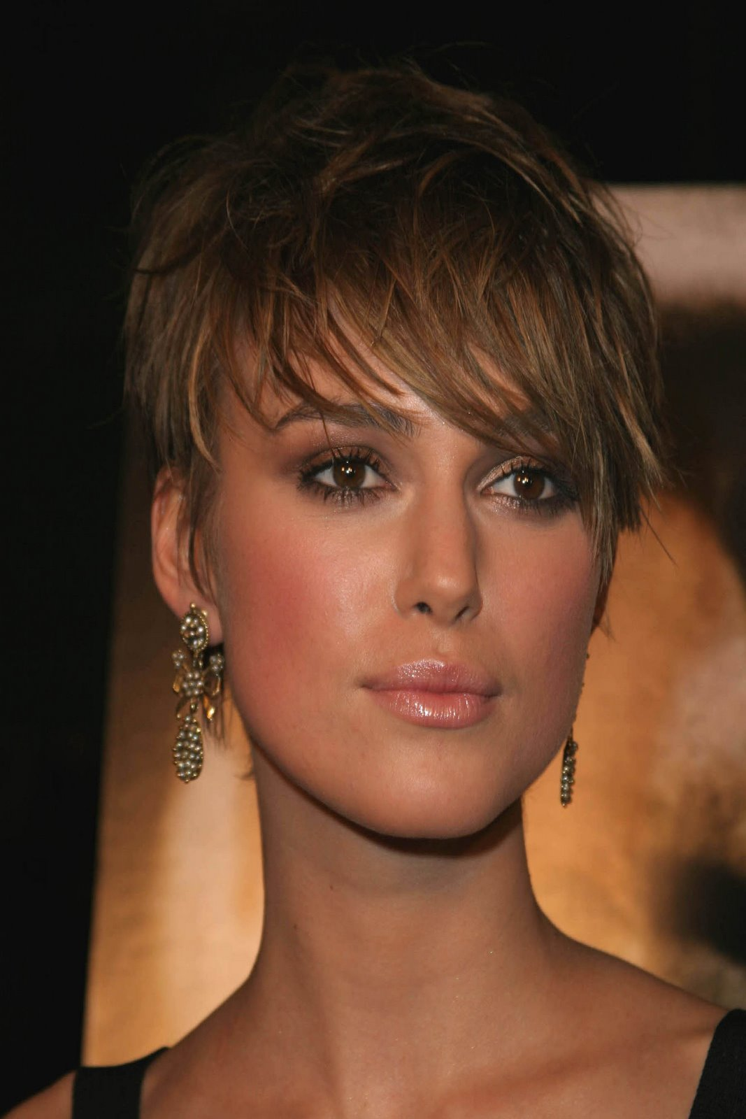 Short Hairstyles Fashion 2010: 15 New Pictures of Short Hair Styles -  YusraBlog.com