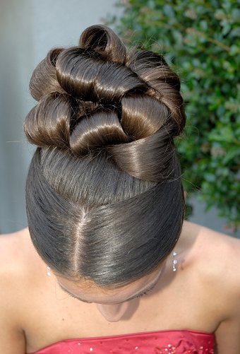 Hairstyles for Wedding Day and Outstanding Pictures Gallery