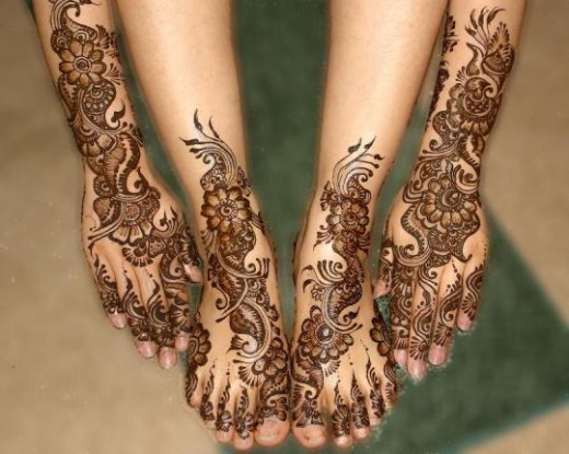 Mehndi Design on Foot for Good Looking