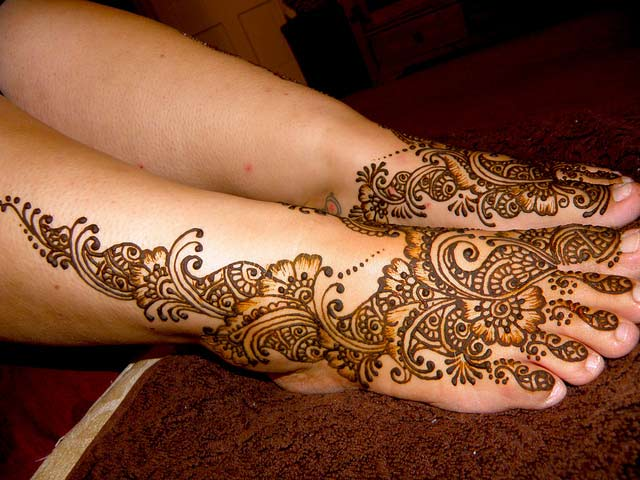 Mehndi Images For Legs : Pakistan cricket player henna designs for legs