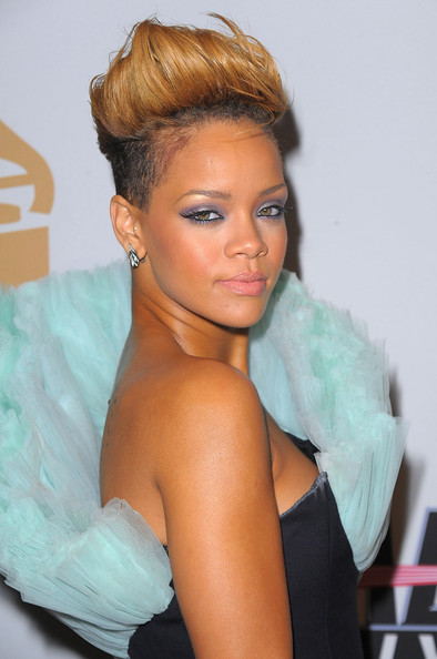 rihanna style 2010. 2010 – 2011 Photo Gallery
