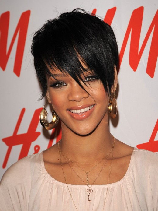 short hairstyle picture. rihanna short haircut.