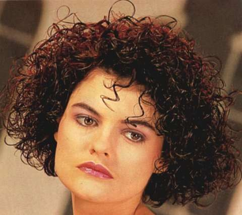 Curly Short Hair Cuts on Short Curly Hairstyles For Women  14 Cute Pictures Short Curly