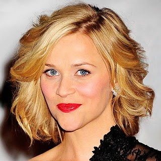 Hot Short Wavy Hairstyle Fashion – New Hairstyle for Women
