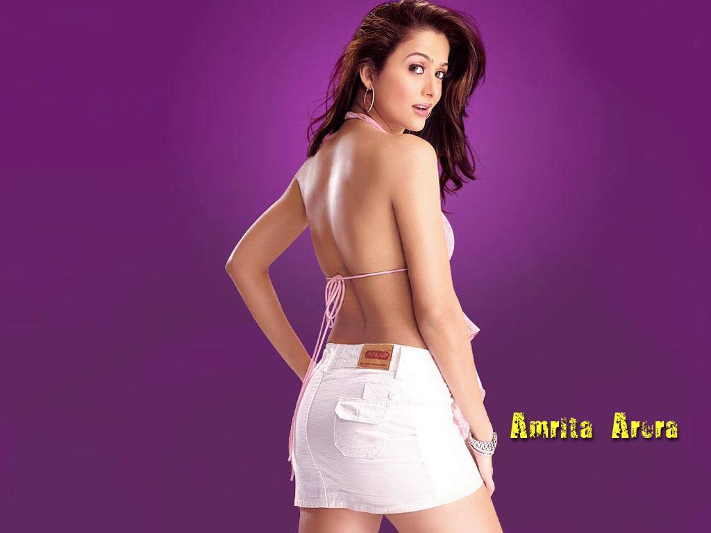 Amrita Arora Short Skirt Hot Dress Yusrablog Com