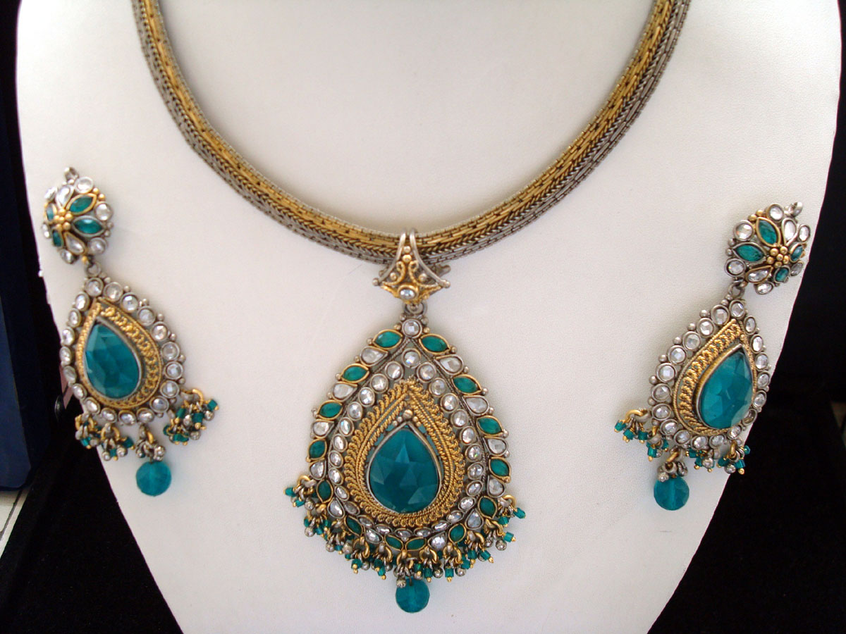 Awesome Firozi or Sky Blue Victorian Jewelry Set ...