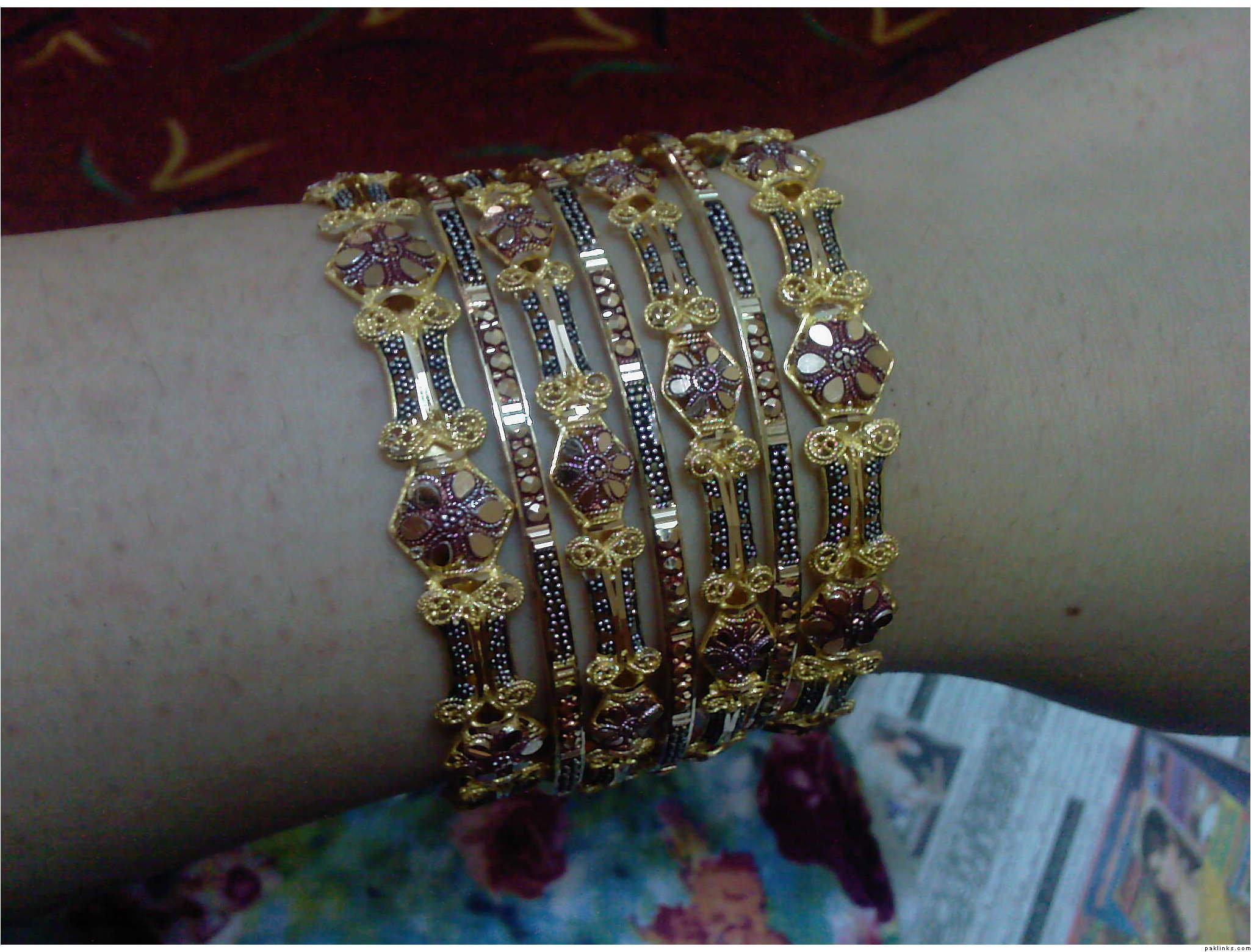 Eid Bangle Designs For Girls 2010-11 Bangle New Design 2011 ...