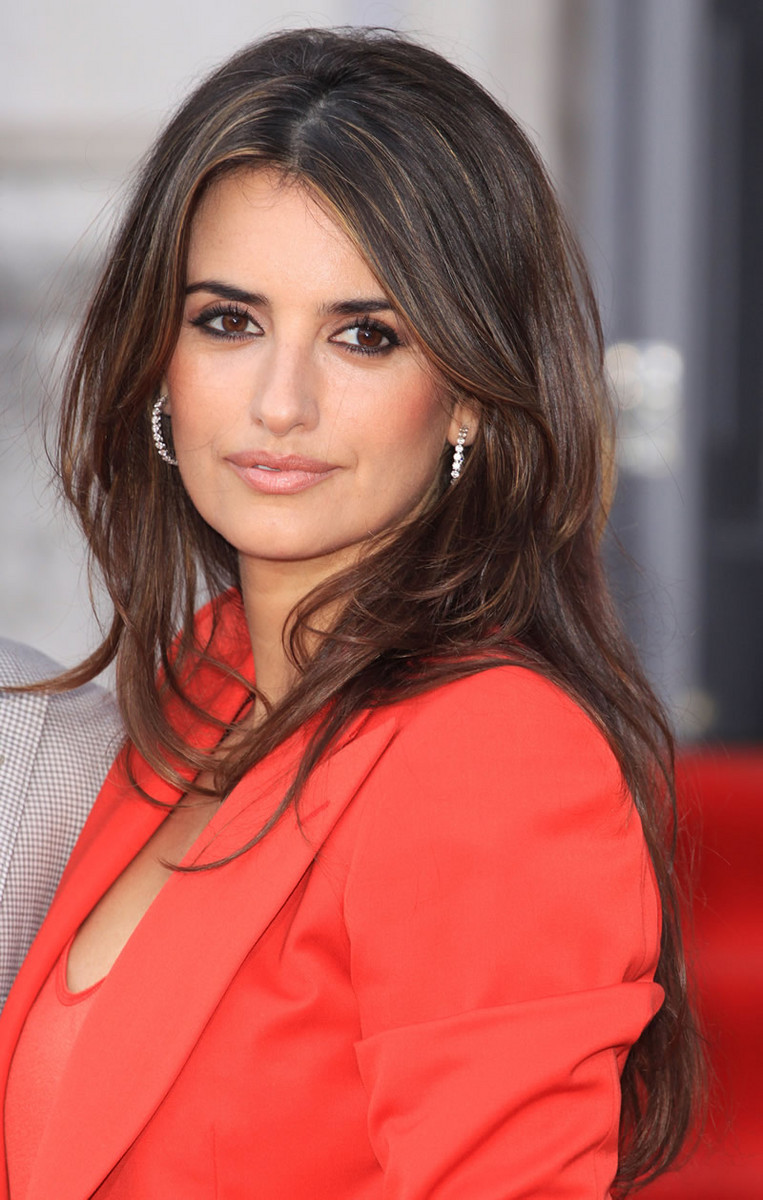 Penelope Cruz 22 Outstanding Pictures Collection