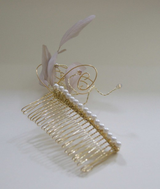 Beautiful Mocha Gold Hair Comb for Wedding 520x613 - Bridal Gold Hair Combs: 15 Remarkable Collection