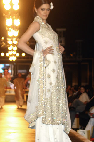 Bridal Couture Week 2010 Pictures - Mehdi Pakistani Designer Collection at Bridal Couture Week 2010