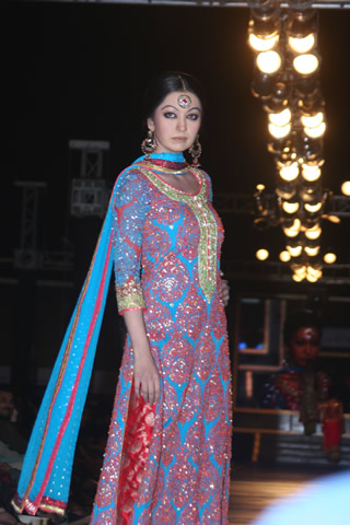 Bridal Dresses for Wedding from Bridal Couture Week in Lahore 2010 - Nomi Ansari Collection at Bridal Couture Week 2010 in Pakistan