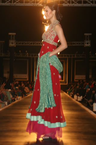 Bridal Dresses from Bridal Couture Week in Lahore 2010 - Mehdi Pakistani Designer Collection at Bridal Couture Week 2010