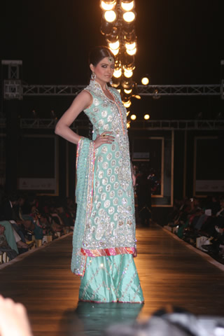 Designer Nomis Ansari Bridal Dresses Collection - Nomi Ansari Collection at Bridal Couture Week 2010 in Pakistan