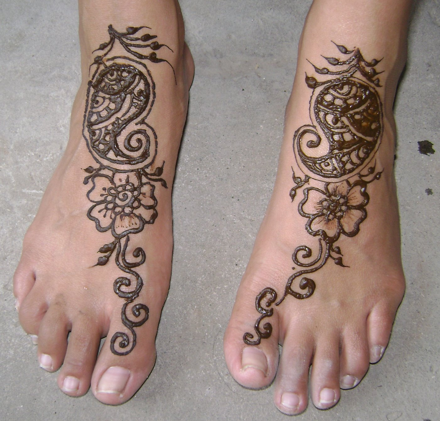 Eid Mehndi Designs on Feet For 2010 – 11: You Love All The Time