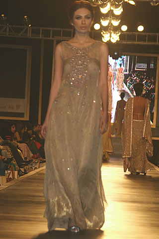 Elegant Mehdi Bridal Dresses Collection for Wedding - Mehdi Pakistani Designer Collection at Bridal Couture Week 2010