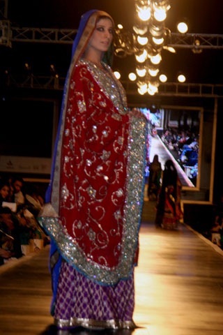 Elegent Design of Bridal Couture Week Pictures - Ali Xeeshan Dresses at Bridal Couture Week 2010 in Lahore