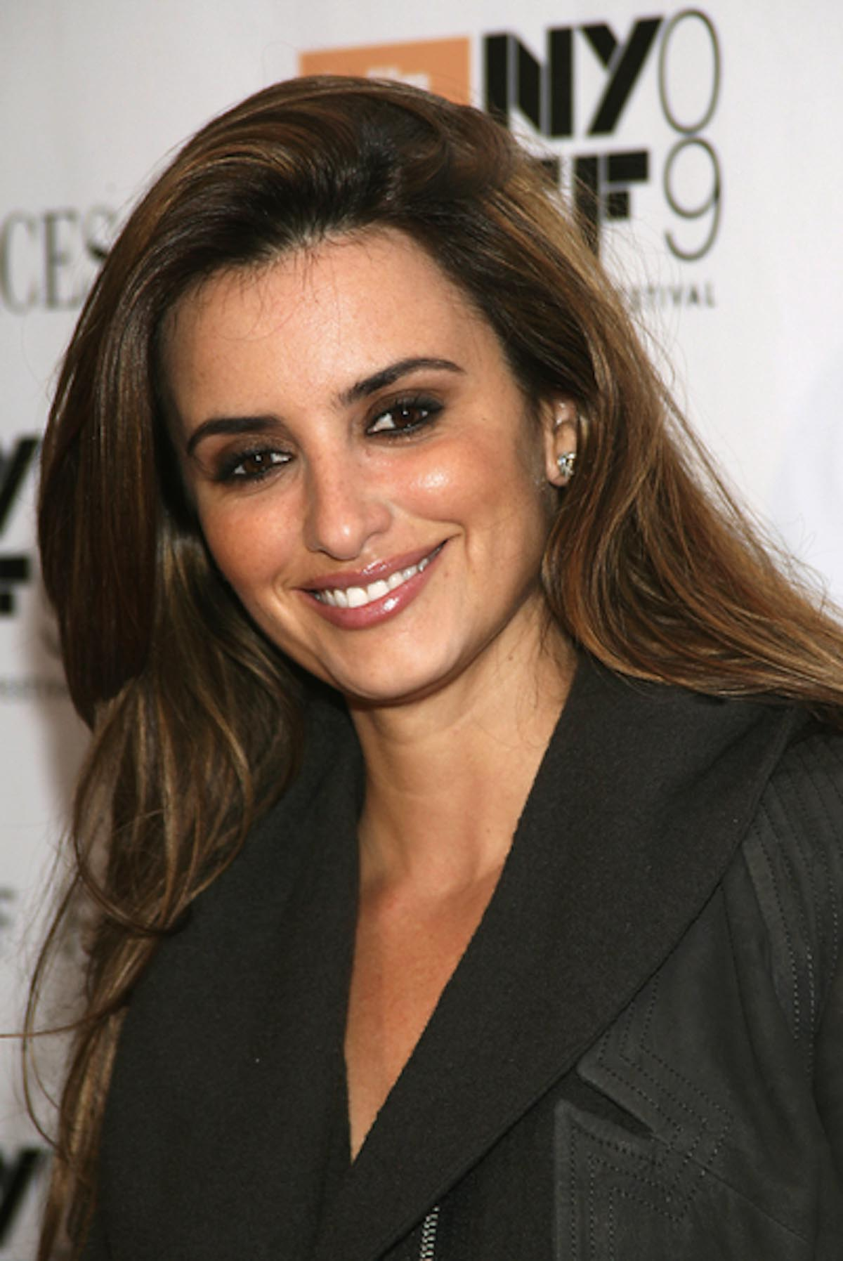 Fashionable Actress Penelope Cruz | YusraBlog.