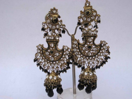 Indian Kundan Fashion Earrings Jewelry for Girls 520x390 - Fantasy Earrings Jewelry Fashion For 2010 – 11