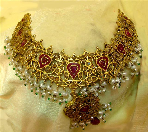 Most Beautiful Gold Jewelry Collection For 2011 ...