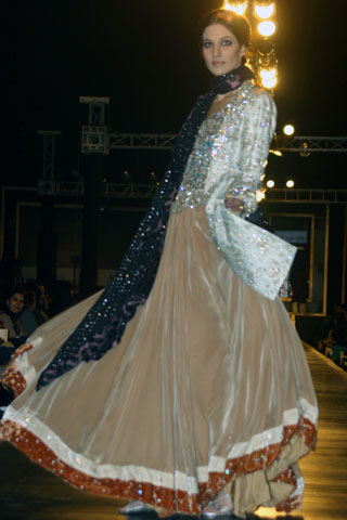 Latest Lehnga Design of Ali Zeeshan from Couture Week - Ali Xeeshan Dresses at Bridal Couture Week 2010 in Lahore