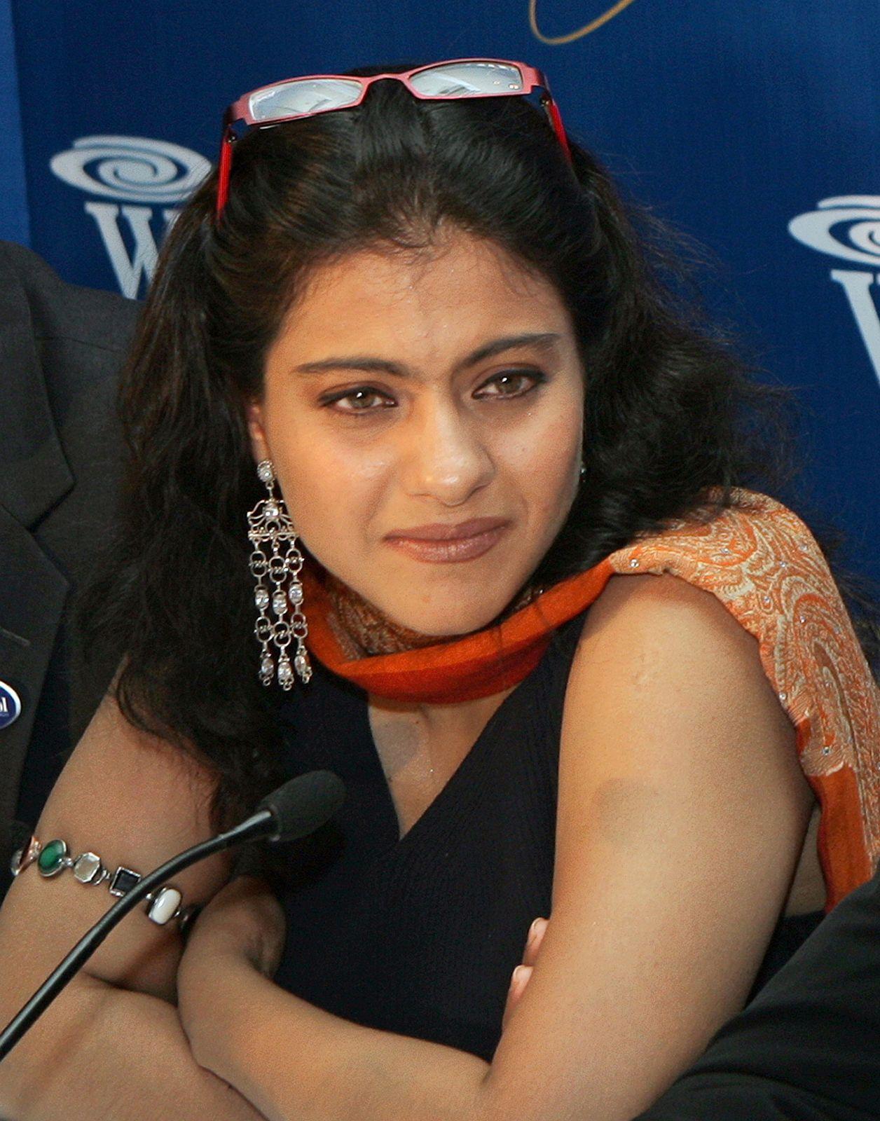 Mrs Kajol Ajay Devgan Yusrablog Com