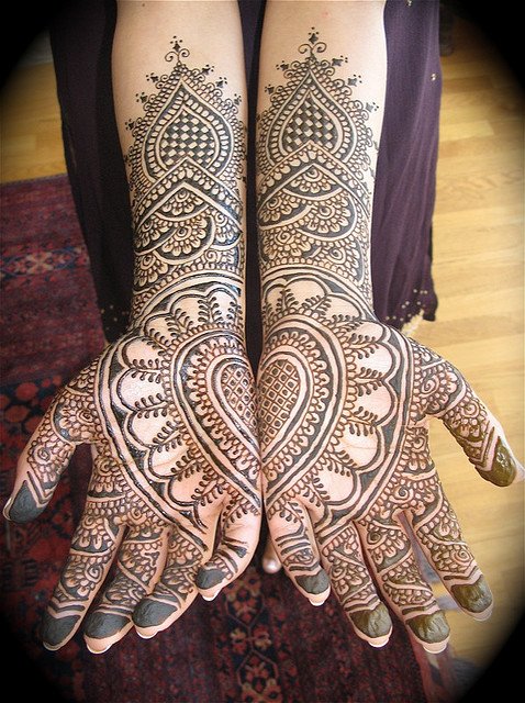Eid Arms Mehndi Designs – Its All About Fashion For Eid