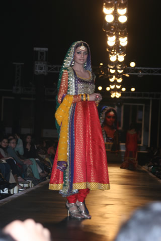 Pakistani Fashion Designer Nomi Ansari Bridal Collection 2010 - Nomi Ansari Collection at Bridal Couture Week 2010 in Pakistan